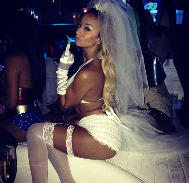 draya-michele-playboy-mansion-halloween-partyy-2