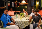 samuel-l-jackson-dave-winfield-et-magic-johnson-au-restaurant-avec-leurs-epouses