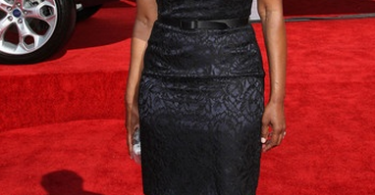 angela-bassett-bet-awards-12-2