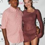 Russells Simmons exhibe sa nouvelle girlfriend, un jeune top model