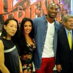 Kobe Bryant et Vanessa aident les jeunes sans-abri à Los Angeles