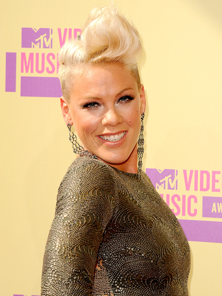 pink-mtv-awards-2012