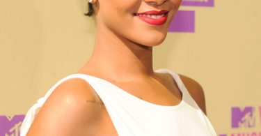 rihanna-mtv-awards-2012-2
