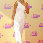 rihanna-mtv-awards-2012-3