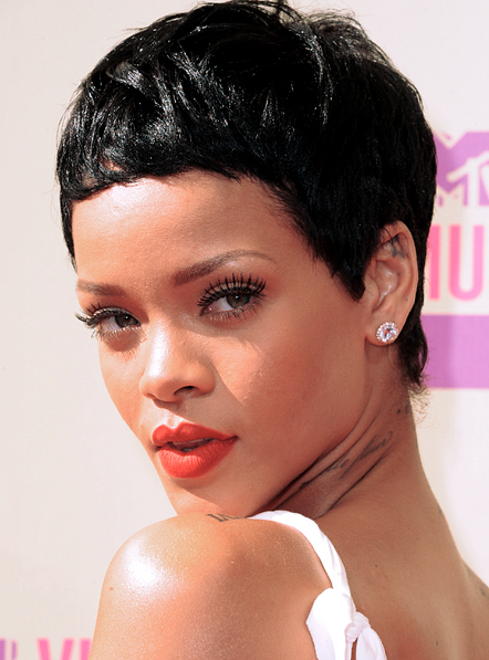rihanna-mtv-awards-2012