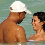 Russell Simmons avec une nouvelle girlfriend à la plage