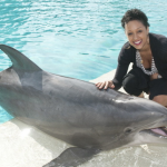Tia Mowry adore les dauphins!