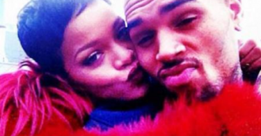 rihanna-et-chris-brown-kiss
