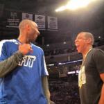 Jay-Z et Kobe Bryant sur le cours avant le match des Lakers