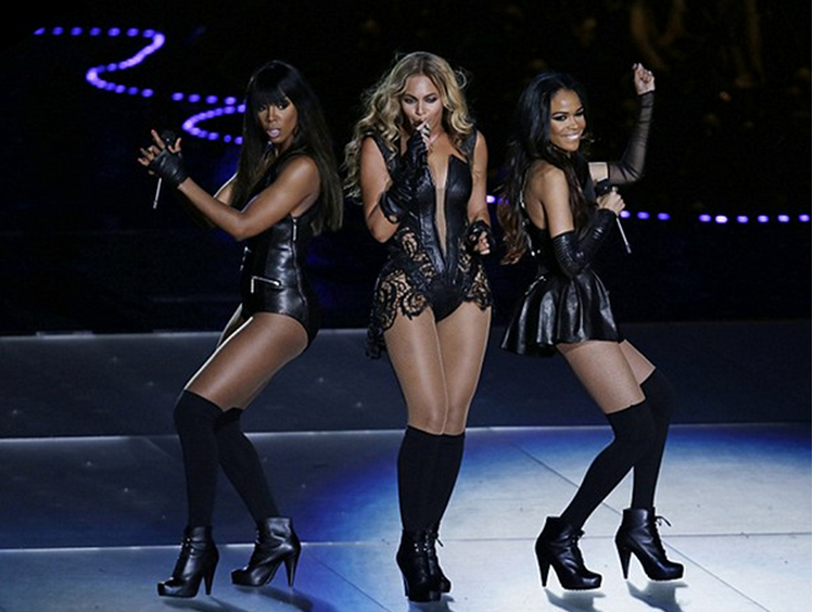 Beyonce and Destiny's Child at the superbowl