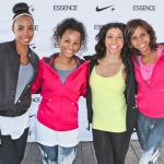 Kelly Rowland et Jeanette Jenkins font du Yoga