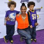 Garcelle Beauvais et ses jumeaux lors d'une soirée pour les Lakers