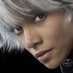 """Halle Berry confirme son rôle dans le nouveau film """"X-Men"""" intitulé 'Storm'"""