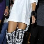 Rihanna défie la pluie pour aller dans un club