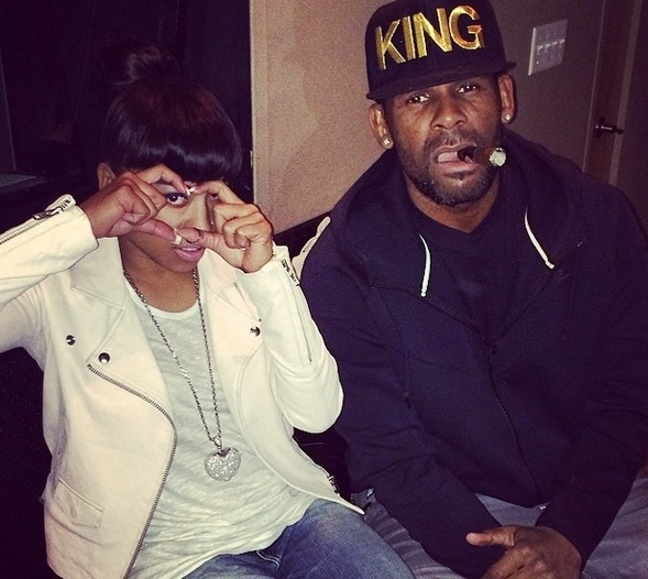 Keyshia Cole et R. Kelly au studio.jpg