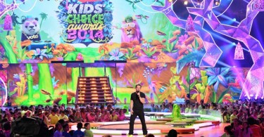 Mark-Wahlberg-kids-choice-awards-2014
