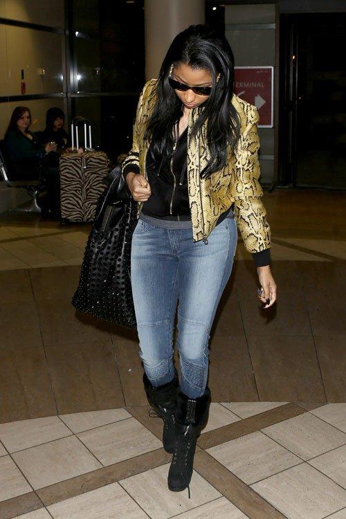 Nicki-Minaj-LAX-Airport