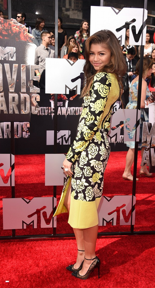 Bella-Thorne-Zendaya-MTV-Movie-Awards-2014