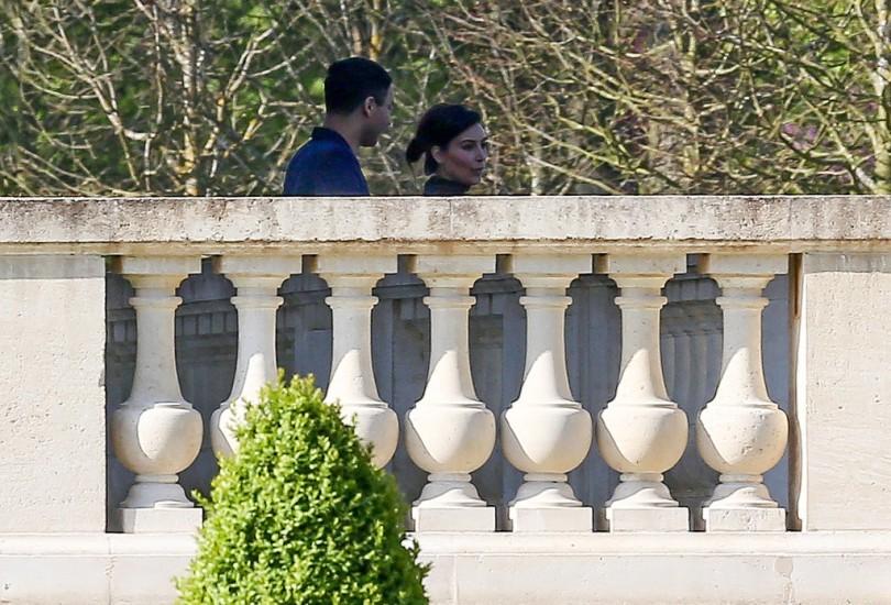 Kim-Kardashian-au-Chateau-Louis-XIV-Louveciennes-avec-Balmain