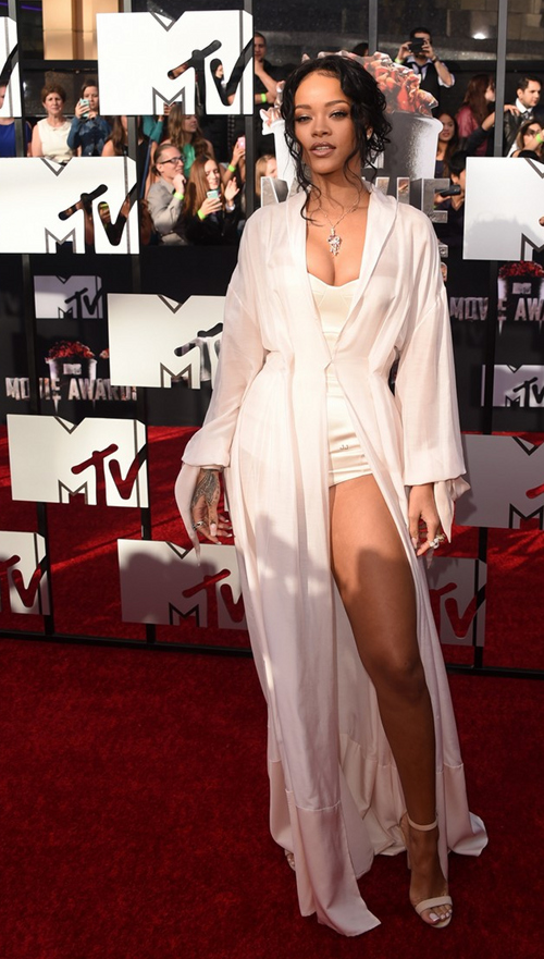 Rihanna-MTV-Movie-Awards-2014-2