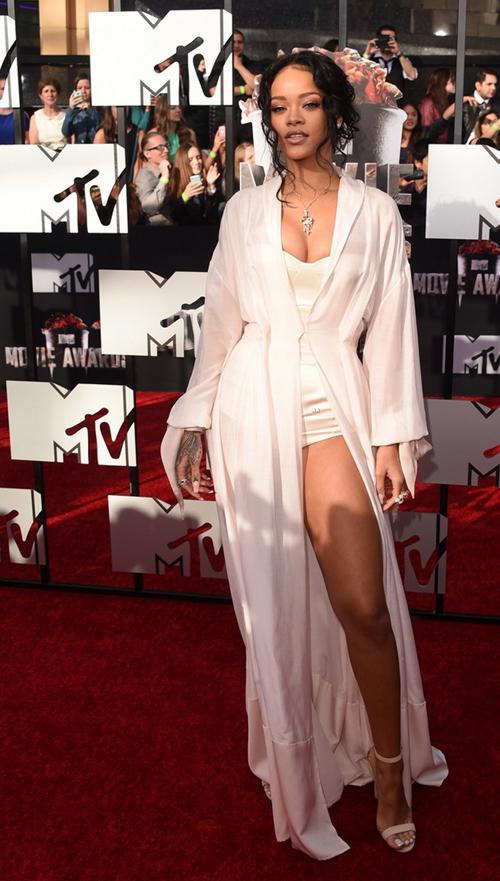 Rihanna-MTV-Movie-Awards-2014-2