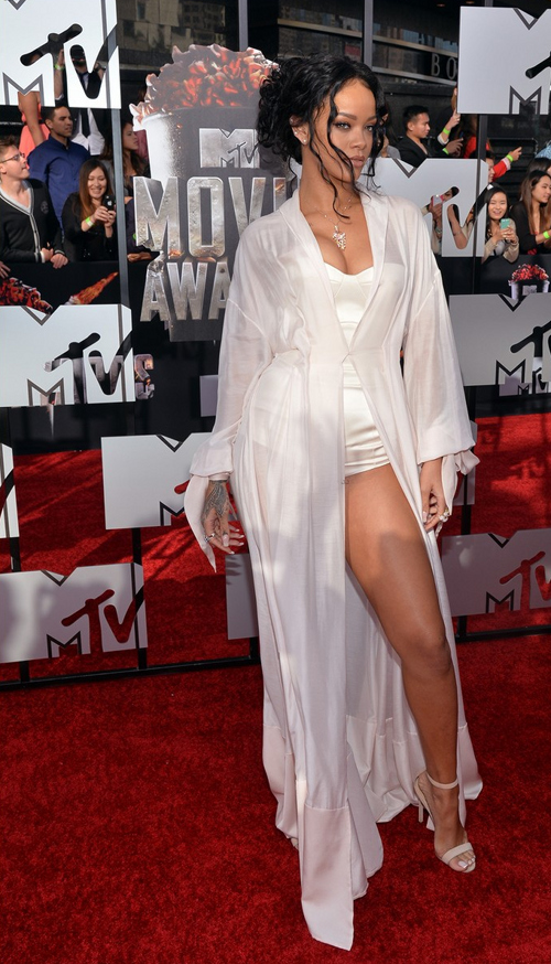Rihanna-MTV-Movie-Awards-2014