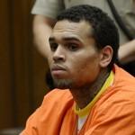 Chris Brown comparaît à Los Angeles la mine défaite