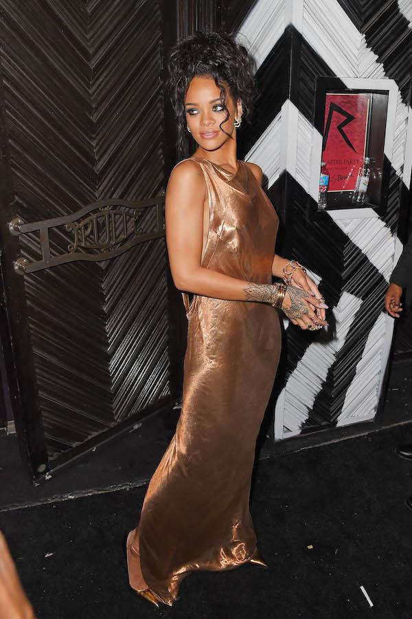 Rihanna posait comme une déesse à une after  Met Gala 2014