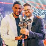 Le chanteur de l'équipe de Usher remporte The Voice