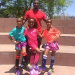 Diddy fait du foot avec ses filles D'Lila, Jessie et Chance