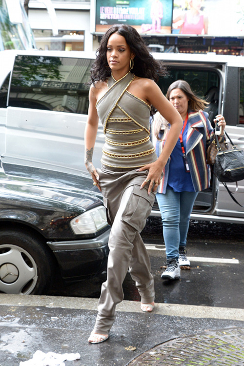 Rihanna-Sephora-Paris