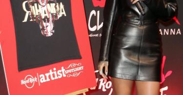 Rihanna-tee-shirt