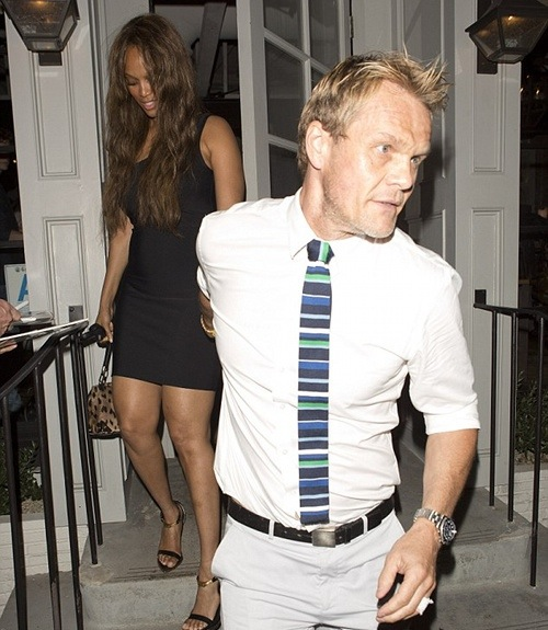 Tyra Banks dîne avec son petit ami photographe