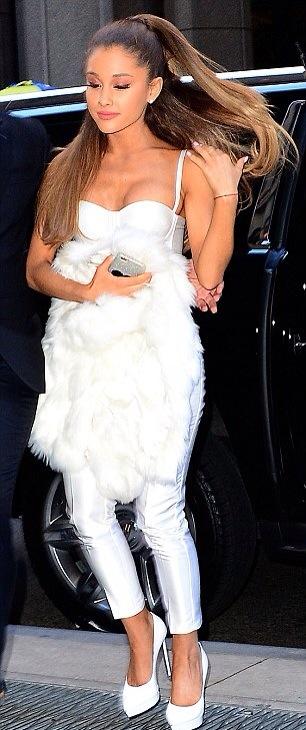 Ariana Grande au Billboard Women In Music Luncheon