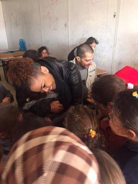 Janet Jackson et Wissam Al Mana visitent un camp de réfugiés Unicef