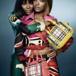Naomi Campbell et Jourdan font la promo de Burberry printemps été 2015