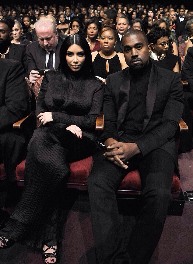 Kim Kardashian et son mari Kanye West BET Honors 2015