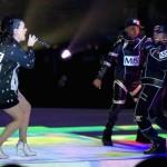 Missy Elliott et Lenny Kravitz rejoignent Katy Perry lors de la mi-temps du Super Bowl 2015