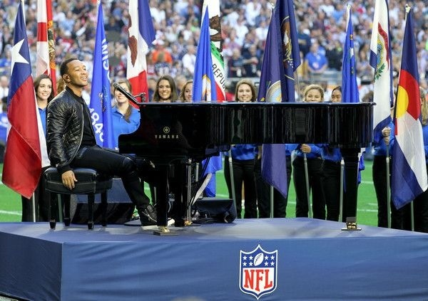 John Legend au Super Bowl 2015