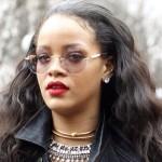 Rihanna adore son séjour en France, ne boude pas son plaisir auprès des fans et annonce qu'elle sera en tête d'affiche de iHeart Radio Festival