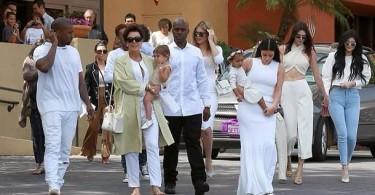Le clan Kardashian célèbre Paques