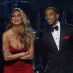 Chrissy Teigen sublime hotesse de la cérémonie des Billboard Awards 2015