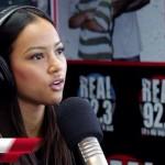 Karrueche Tran affirme qu'elle est célibataire et fait louange à Rihanna