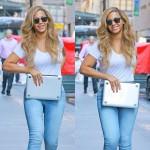 Beyonce toujours aussi rayonnante se rend dans ses bureaux de New York City