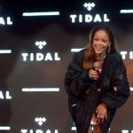 Rihanna kidnappe ses fans pour leur présenter son nouveau clip vidéo Bitch Better Have My Money