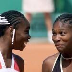 Serena et Venus Williams se qualifient pour les huitièmes de finale lors desquelles elles s'affronteront