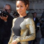 Jada Pinkett Smith toute glamour à la Paris Fashion Week