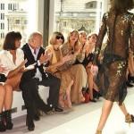 Ciara ne boude pas son plaisir lors des Fashion Shows