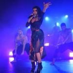 FKA Twigs électrique sur scène à Londres