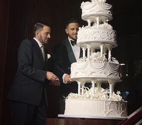 Marc Jacobs and Charly Defrancesco and their wedding cake